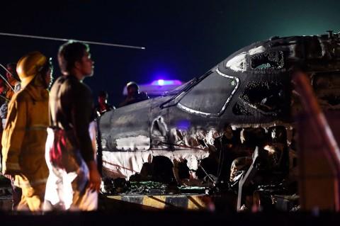 Pesawat Lionair Filipina Terbakar, 8 Orang Tewas