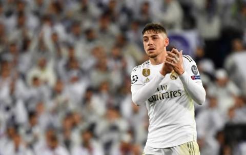 MU Incar Gelandang Real Madrid