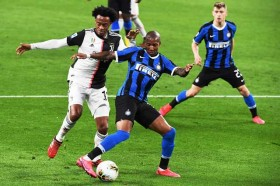 Ashley Young Makin Betah di Inter Milan