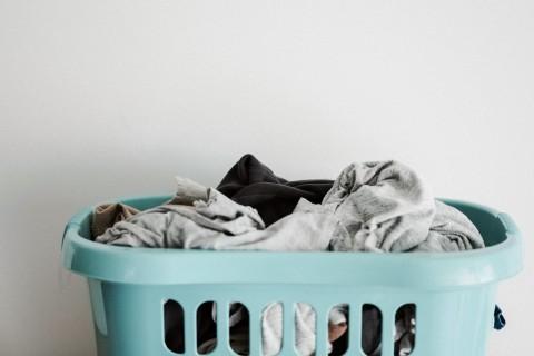 Tips Mencuci Pakaian Pasien Covid-19