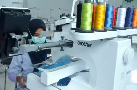 Imbas Covid-19, Stok Baju Lebaran Tertahan di Pabrik