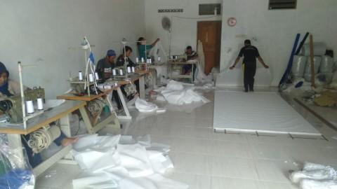 Pemkab Tegal Pesan 2.000 Baju Hazmat ke Penjahit Lokal