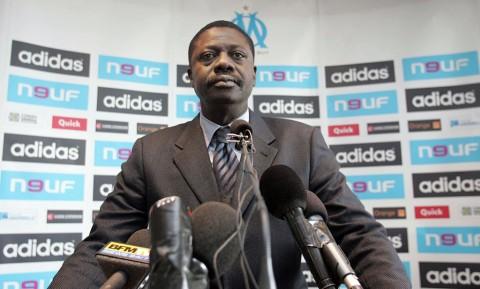 Komplikasi Korona, Mantan Presiden Olympique Marseille Meninggal Dunia