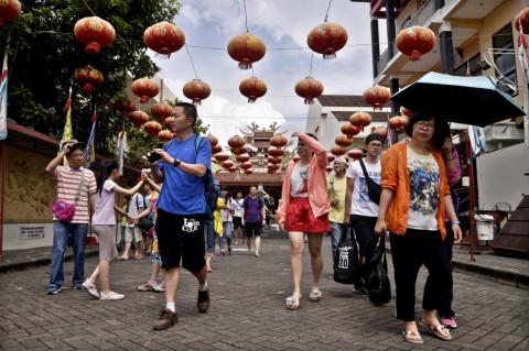 Kunjungan Turis Tiongkok ke Indonesia Merosot Tajam