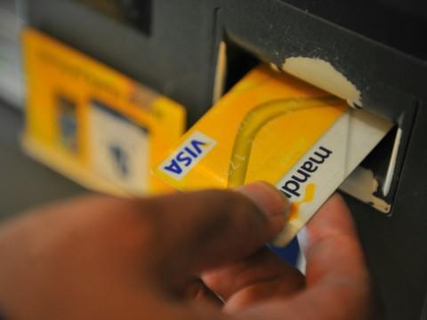 Bank Mandiri Bebaskan Biaya <i>Top Up</i> GoPay