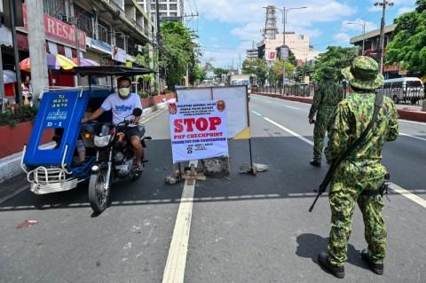 Duterte Ancam Tembak Warga Bandel Selama <i>Lockdown</i>