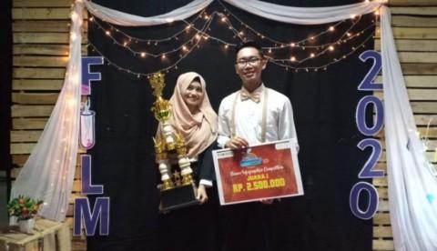 Mahasiswa UGM Juara Kompetisi Infographics Nasional