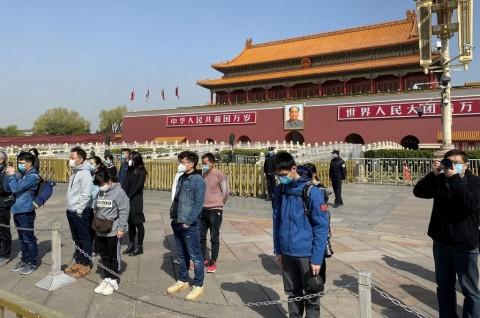 Tiongkok Mengheningkan Cipta untuk Korban Covid-19