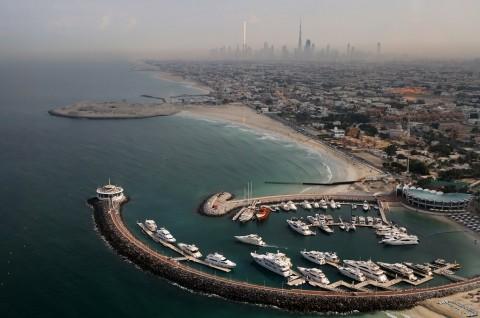 Dubai Terapkan <i>Lockdown</i> Dua Pekan