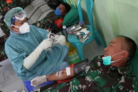 Bantu PMI, TNI AD Kendari Gelar Donor Darah
