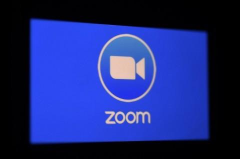Begini Cara Tampilkan Video Anda di Pertemuan Zoom