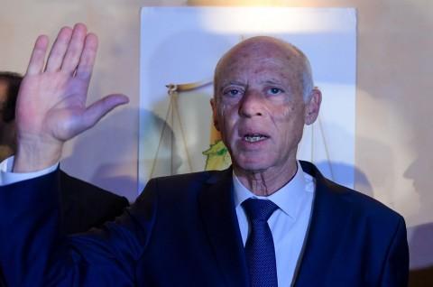 Teladani Umar, Presiden Tunisia Bantu Warga Terdampak Covid-19