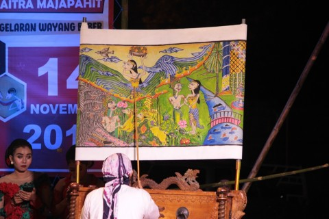 Panggung Daring Penolong Eksistensi Seniman Wayang Beber