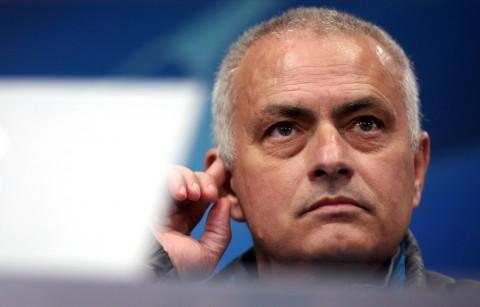 Mourinho Mengakui Kesalahan tidak Isolasi Diri