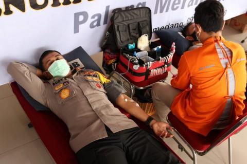 Polisi di Jawa Barat Ramai-ramai Penuhi Stok Darah