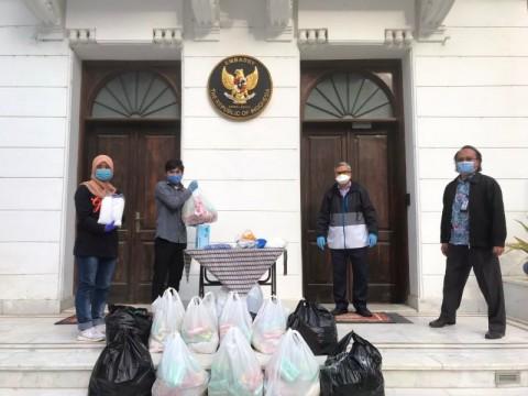 KBRI Kairo Beri Bantuan Logistik Bagi Mahasiswa Indonesia