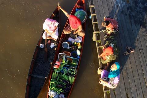 Wisata Pasar Terapung Terdampak Korona
