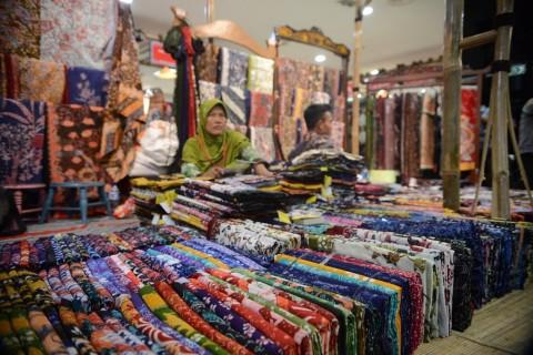Omzet Pelaku Usaha Batik di Lebak Turun