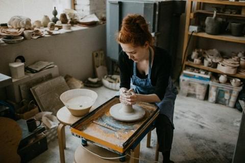 Manfaat Kegiatan Seni Saat Melakukan Social Distancing