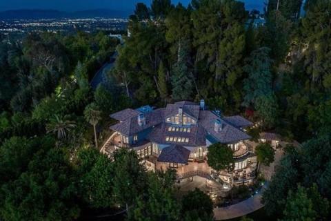 Selena Gomez Beli Rumah 'Tersembunyi' di Los Angeles