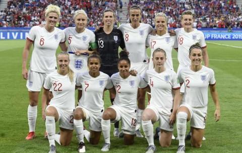 Timnas Inggris Wanita Berdonasi Bersama Pemain Liga Inggris