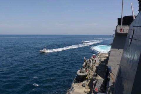 Didekati Kapal Perang, AS Tuduh Iran Lakukan Provokasi
