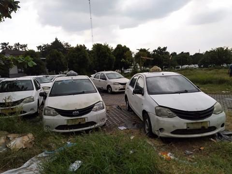 Kekurangan & Kelebihannya Mengambil Toyota Etios Bekas Taksi