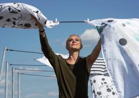 Tips agar Pakaian tetap Bersih dan Wangi meski di Rumah Aja