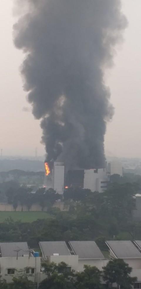 80 Persen Bangunan Gereja Christ Cathedral Hangus Terbakar