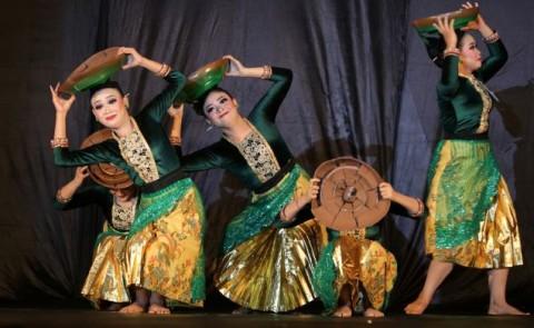 Saweran <i>Online</i>, Upaya 'Menyambung Napas' Seniman Tari