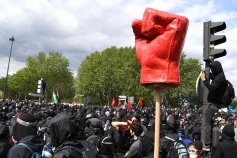 Majelis Pekerja Buruh Rayakan <i>May Day</i> dengan Aksi Sosial