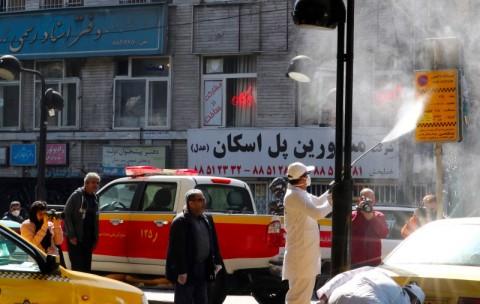 Iran Segera Buka Masjid Setelah Kasus Covid-19 Menurun