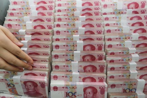 Mata Uang Yuan Turun Tajam