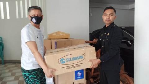 Waketum PSSI Donasi Seribu Masker di Malang
