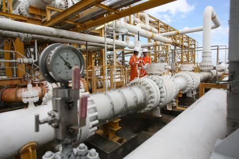 strategi opsi minyak mentah
