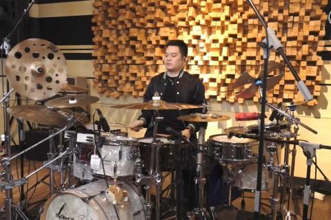 Drummer Echa Soemantri Kenang McD Sarinah
