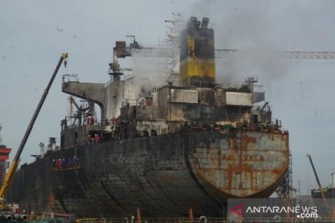Api Masih Menguasai Kapal Tanker di Belawan