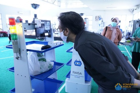 RAISA, Robot Pelayan Pasien Covid-19 Ciptaan ITS-RSUA Dipercanggih