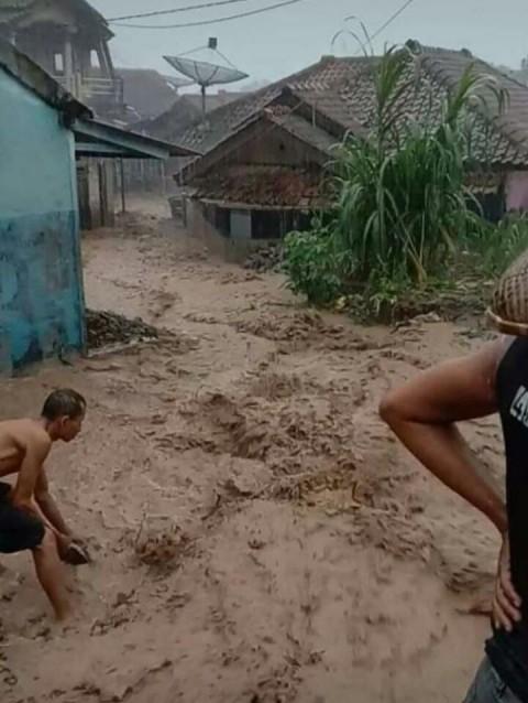 Banjir Lumpur Terjang 2 Desa di Kabupaten Bogor
