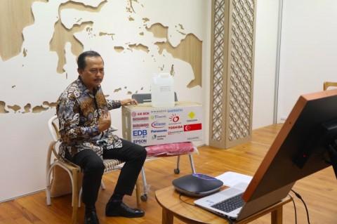 EDB Singapura Serahkan Bantuan 100 Ribu Masker N95 ke Batam