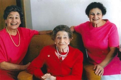 Kisah Dua Bersaudara yang Telah Mendonorkan Darah Lebih dari 34.000 Liter