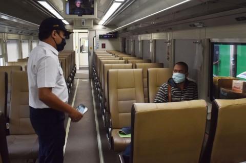 12 Calon Penumpang Ditolak Naik Kereta Api dari Semarang