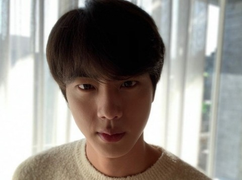 Jin BTS Berikan Apartemen Mewah untuk Orangtuanya