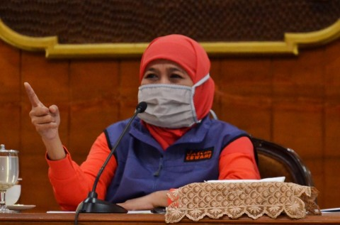 Khofifah Sindir Surabaya Abai Jaga Jarak Fisik