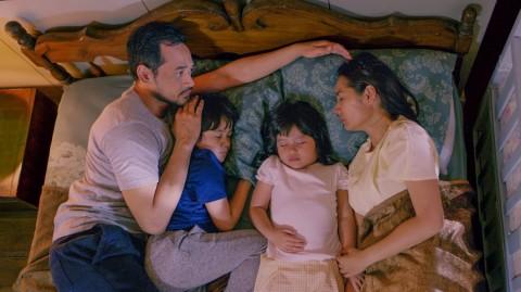Rekomendasi Tayangan Keluarga Indonesia yang Mengharukan