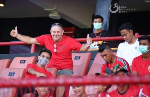 Bule United Rindu Atmosfer Stadion Wayan Dipta