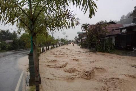 Banjir Bandang di Bener Meriah Putus Akses Jalan