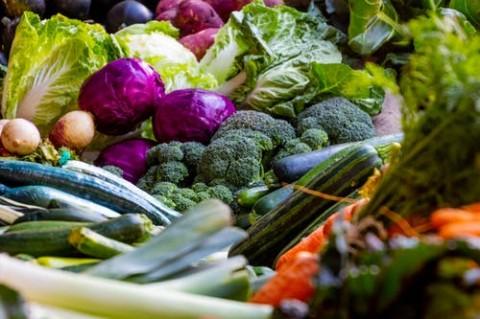 Tips Pilih Makanan Sehat selama Isolasi Covid-19 di Rumah