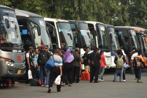 55,42% Tokoh Publik Tak Setuju Pengoperasian Kembali Transportasi