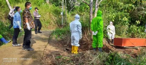 Pelanggar PSBB di Sidoarjo Diberi Sanksi Makamkan Pasien Covid-19